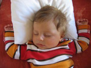 baby-sleeping-590355-m